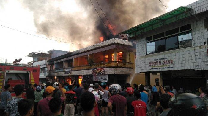 BREAKING NEWS: Lima Ruko Ludes Terbakar di Kuansing Riau, Satu Orang Korban Dikabarkan Tewas