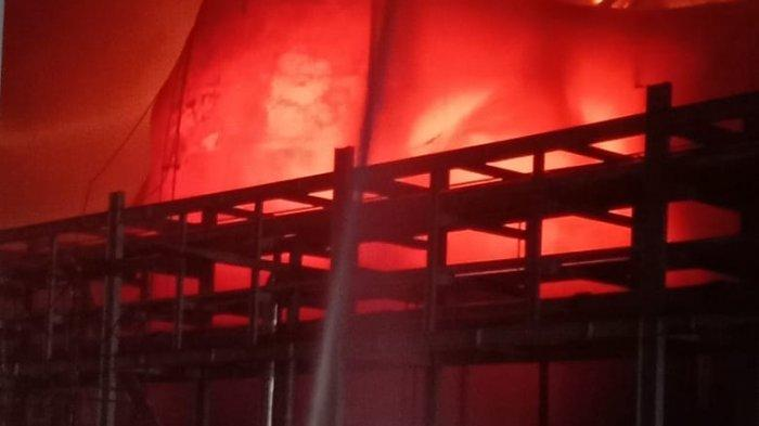Duar,Ledakan Dahsyat Awali Kebakaran Tangki PT SDO,Rumor Beredar 2 Korban Tewas,Ini Kata Perusahaan