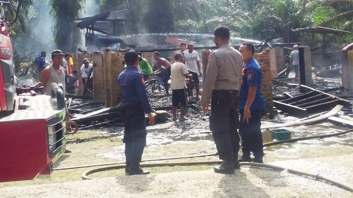 3 Unit Sepeda Motor dan Harta Benda Ikut Hangus, Satu Rumah di Pangkalan Kerinci Dilalap Api