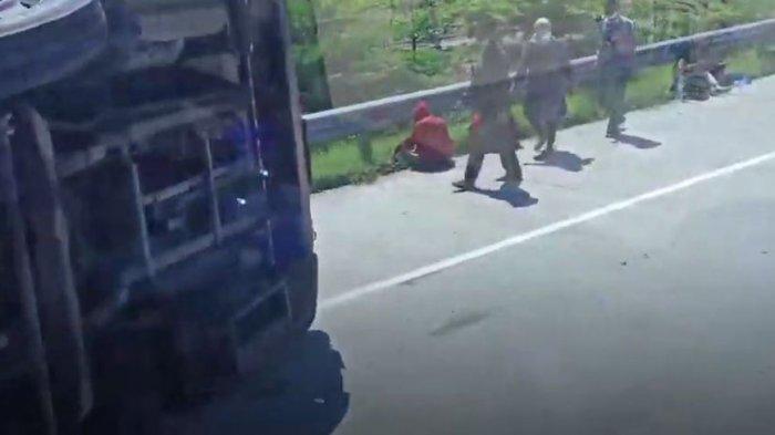 Kecelakaan di jalan Tol Pemalang KM 308 pada Minggu (11/7/2021), melibatkan bus PO. Sudiro Tungga Jaya dengan truk boks mengakibatkan delapan orang meninggal dunia.