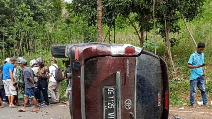 Kecelakaan lalu lintas terjadi di ruas jalan Desa Liang, Kecamatan Salahutu, Kabupaten Maluku Tengah, Selasa (12/10/2021).
