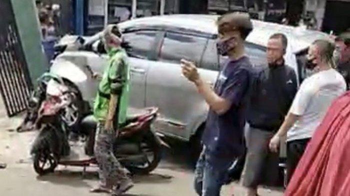 Kecelakaan terjadi di Jalan Raya Ragunan tepatnya di dekat Bank BNI 46, Pasar Minggu, Jakarta Selatan pada Jumat (25/12/2020) sekitar pukul 13.45 WIB.