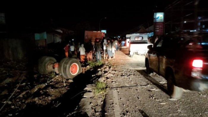Detik-detik Tabrakan Maut Truk Tabrak Bus Pariwisata, lalu Hantam 5 Rumah dan 3 Motor, Satu Tewas