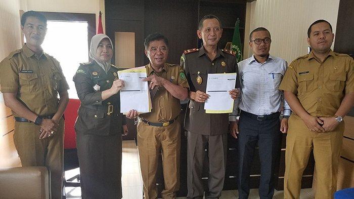 Serahkan Uang Titipan Rp 48 Juta,Asisten I Syamsudin Puji Kejari Meranti Riau Selamatkan Uang Negara