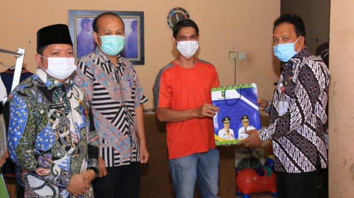 Keluarga 8 Pegawai Pemprov Riau yang Meninggal Dunia Akibat Covid-19 Terima Uang Duka Rp 25 Juta