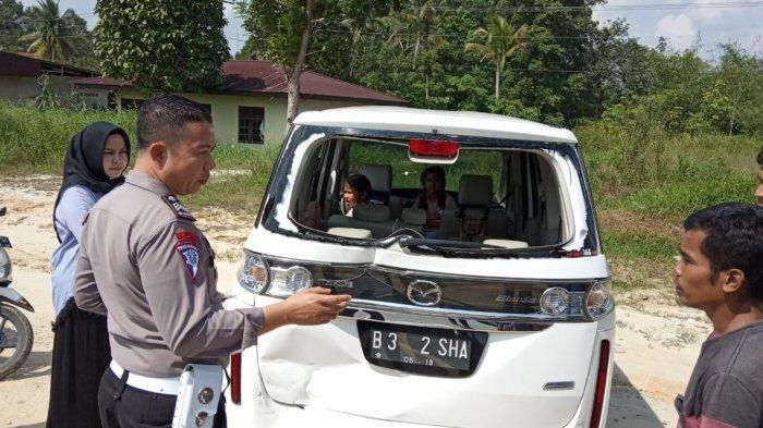 Kendaraan Istri Kapolres Kampar Riau Ditabrak Colt Diesel dari Belakang