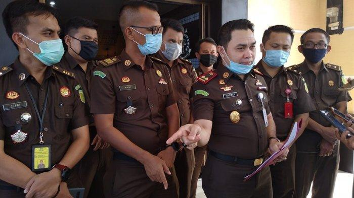 Kasus Dugaan Korupsi Hotel Kuansing Riau, Kejaksaan Periksa Eks Bupati Sukarmis