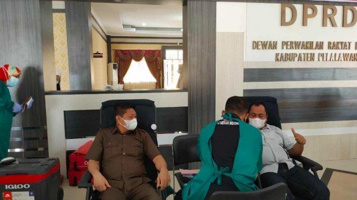 Bersempena HUT Kemerdekaan ke-76 RI, DPRD Pelalawan Gelar Donor Darah Bersama PMI
