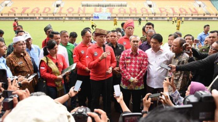 Tinjau Kesiapan untuk Piala Dunia Yunior, Ketua PSSI Sebut Stadion Utama Riau Besar dan Megah