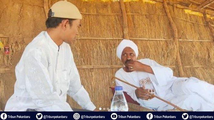 KISAH Ustadz Abdul Somad dengan Syaikh Dr Omar, Makan Daging Kambing Panggang dan Diijazahkan Zikir