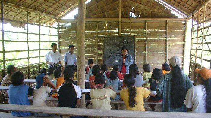 Alumni Sekolah Marjinal Bersyukur Dapat Pendidikan, Kini Jadi Kebanggaan di Pedalaman TNBT (Part II)