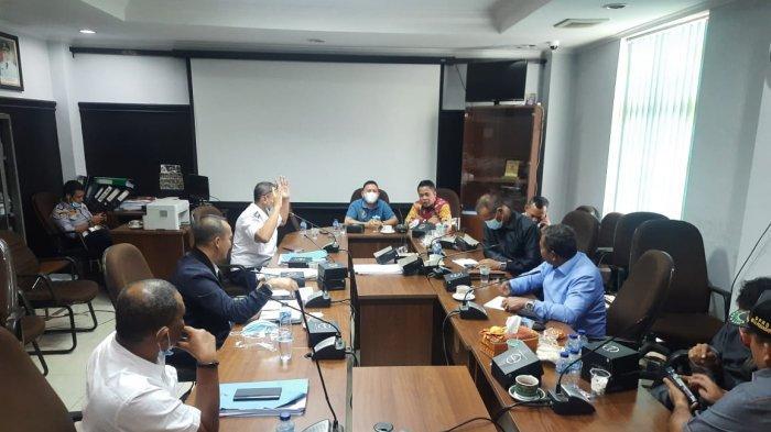 Suasana hearing Komisi IV DPRD Pekanbaru dengan Dishub Pekanbaru mengenai pemutusan PJU, Rabu (3/2/2021) di ruang Komisi IV DPRD Pekanbaru.