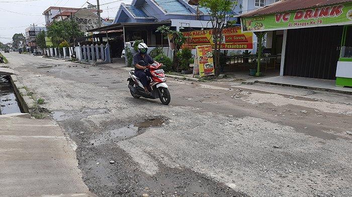 Gamang Saat Melintas,Banyak Ruas Jalan di Pekanbaru Rusak Akibat Bekas Galian IPAL, Apa Upaya Pemko?
