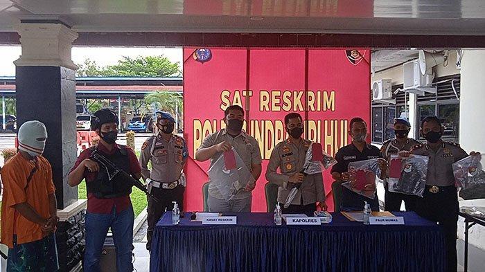 Kapolres Inhu AKBP Bachtiar Alponso saat ekspos pengungkapan pelaku pembunuhan anak di Kecamatan Batang Gansa, Jumat (10/9/2021).
