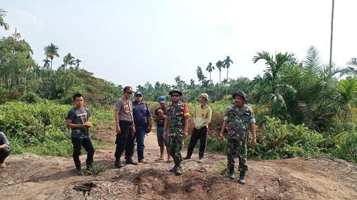 Patroli di Perbatasana Inhil-Jambi, Koramil dan Polsek Reteh Pantau Kawasan Rawan Karhutla