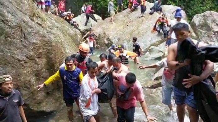 Tiga Korban Terseret Air Bah di Air Terjun Lubuk Hitam Padang Ditemukan Kondisi Meninggal