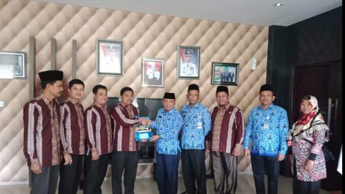 KPU Ajukan Rp 29 M, Bawaslu Usulkan Rp 13.9 M, NPHD Anggaran Pilkada Pelalawan Riau 2020 Diteken