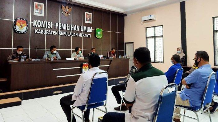 Rapat Pleno penetapan pasangan calon bupati dan wakil bupati Kepulauan Meranti Pilkada 2020 di aula kantor KPU Kepulauan Meranti Rabu (23/9/2020).