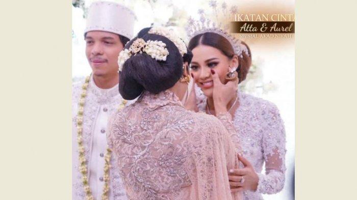 Momen Krisdayanti bersama Aurel Hermansyah di pernikahan sang putri