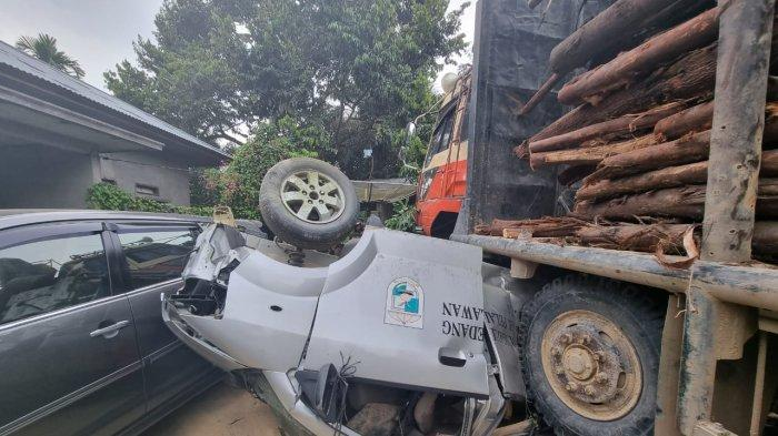 Kronologi Ambulans Ringsek Dilindas Truk Balak, 4 Mobil Terlibat Kecelakaan di Jalintim Pelalawan