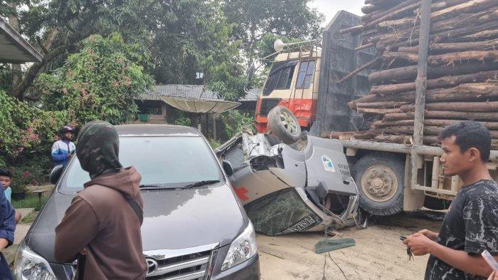 Ambulans Ringsek Dilindas Truk Balak, 4 Mobil Terlibat Kecelakaan di Jalintim 109 Desa Sorek Dua Kecamatan Pangkalan Kuras Kabupaten Pelalawan, Rabu (14/10/2021) lalu.
