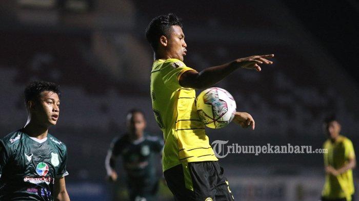 FOTO : KS Tiga Naga Tahan Imbang PSMS Medan di Laga Liga 2 2021 - ks-tiga-naga-vs-psms-medan-jakabaring.jpg