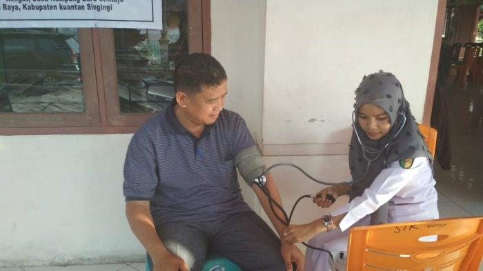 Banyak Petugas Jatuh Sakit Saat Rekapitulasi Pemilu 2019, KPU Riau Surati Daerah di Riau Minta Ini
