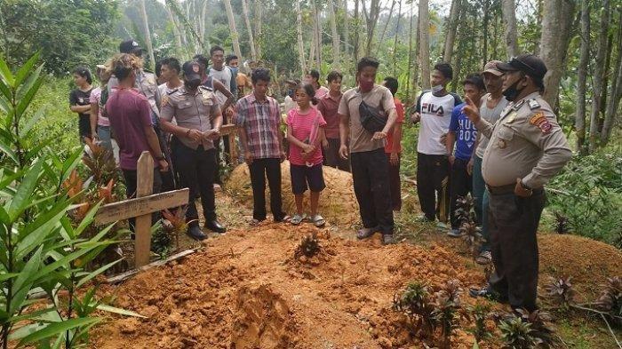 Dua Remaja Ini Nekat Bongkar Makam UntukAmbil Kelingking Mayat