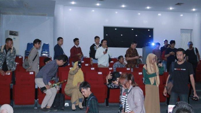 Film 'Kucumbu Tubuh Indahku' di Bandar Lampung Dibubarkan, FPI: Turun Semua, Bubar-bubar!