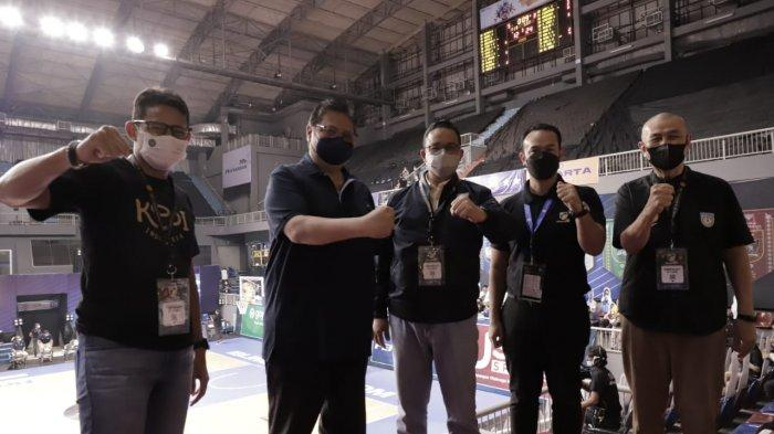 Laga Final IBL, Momen Keakraban Airlangga Hartarto, Anies Baswedan dan Sandiaga Uno