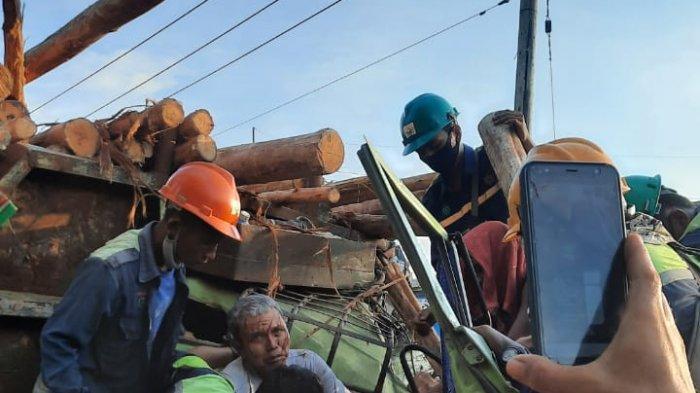 KRONOLOGI Kecelakaan Maut Bus Karyawan vs Truk Fuso di Pelalawan,Sopir Terjepit,1 Tewas 12 Terluka