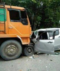 Truk Fuso vs Mazda di Pangkalan Lesung, Pasutri Dikabarkan Meninggal Dunia