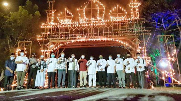 Festival Lampu Colok 27 Ramadan 1442 di Jalan Dorak, Selatpanjang, Kepulauan Meranti.