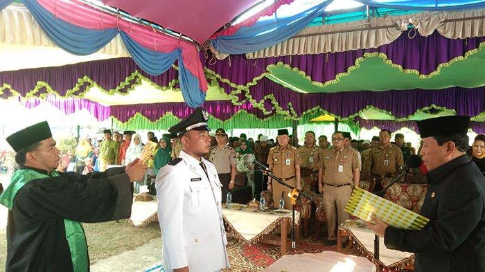 Kades Baru Janji Revitalisasi Administrasi,Bupati Rohul Riau Lantik Kades Pasir Jaya Antar Waktu