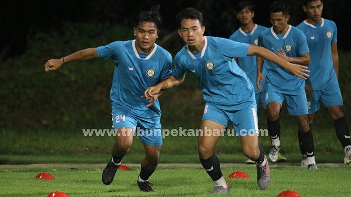 FOTO : Latihan KS Tiga Naga Jelang Derby Riau Lawan PSPS di Liga 2 2021 - latihan-ks-tiga-naga-jelang-derby.jpg