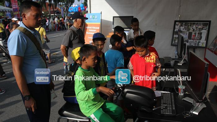 FOTO: Launching SIM Online di Pekanbaru - launching-sim-online-polda-riau-polresta-pekanbaru-2-06122015_20151206_123128.jpg