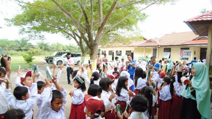 LAZNas Chevron Bersama Ari Dental Care Edukasi Kesehatan pada Suku Sakai Siak