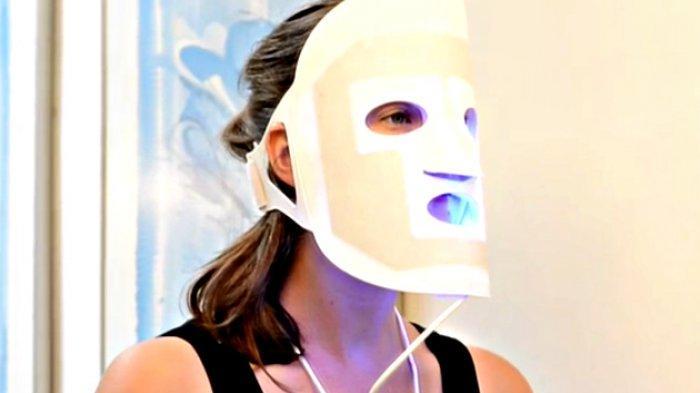 Sinar Merah Bikin Awet Muda, Terapi PDT Mask Makin Diminati Warga Pekanbaru