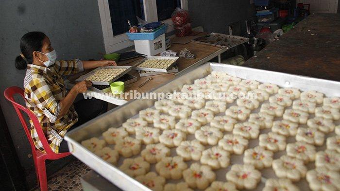 Foto : Menggeliat Bisnis Kue Lebaran di Pekanbaru pada Masa Pandemi
