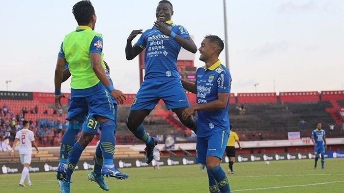 Hasil Pertandingan Persib Bandung vs PSM Makassar, Skor 5-2, Berikut Cuplikan Gol Ezechiel NDouassel