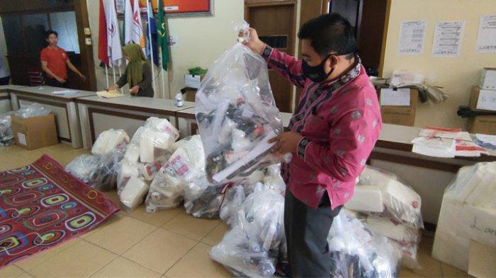 Dikawal Ketat Petugas,Besok KPU Pelalawan Distribusikan Logistik Pilkada, Mulai dari Lokasi Terjauh