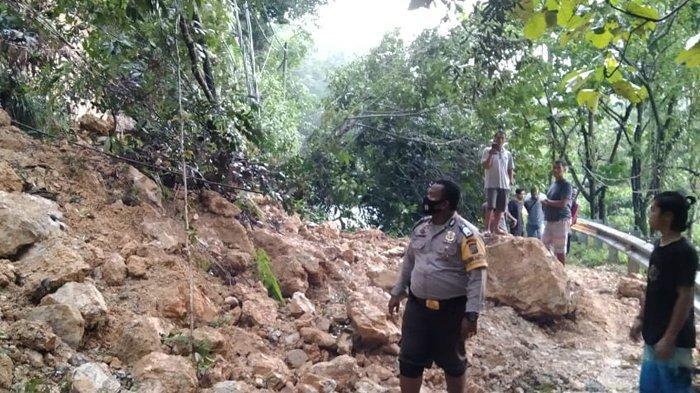 BREAKING NEWS : Longsor di Rantau Barangin, Jalan Lintas Riau-Sumbar Putus Total, Ini Penampakannya