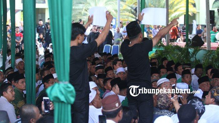 Teriakan 'Hidup Mahasiswa' 2 Mahasiswa Pekanbaru Bikin Kaget Jokowi yang Sedang Pidato