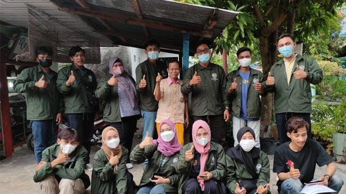 Mahasiswa KKM UMRI Manfaatkan Alami Jadi Pupuk Kompos
