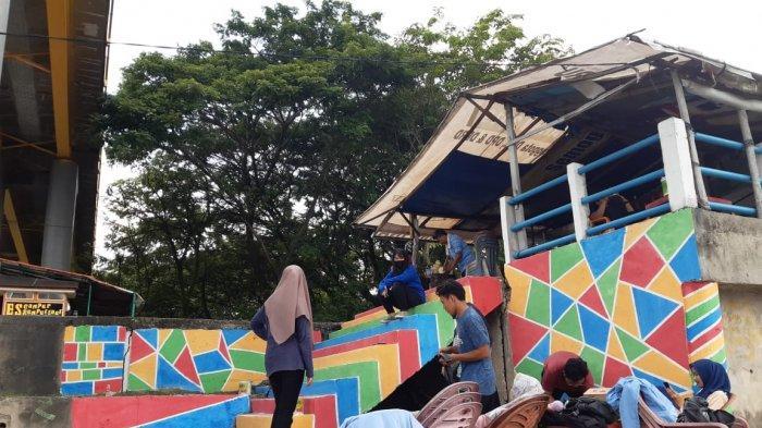 Mahasiswa Kukerta Integrasi UNRI Membuat Icon Wisata di Tepian Sungai Siak