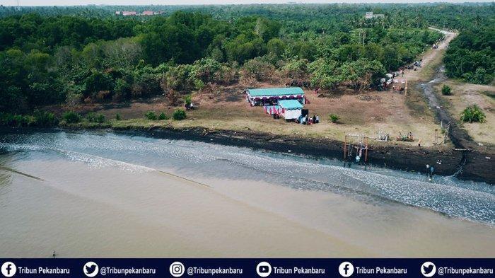 Mahasiswa Kukerta Tematik UNRI Resmikan Pantai Terubuk Bantan Sari Bengkalis Riau