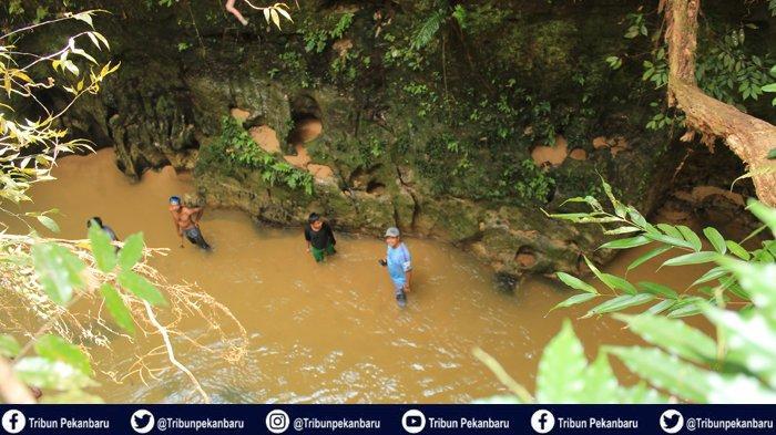 Mahasiswa Kukerta Universitas Riau 2019 Kembangkan Wisata Alam Manisan di Gunung Bungsu Kampar Riau