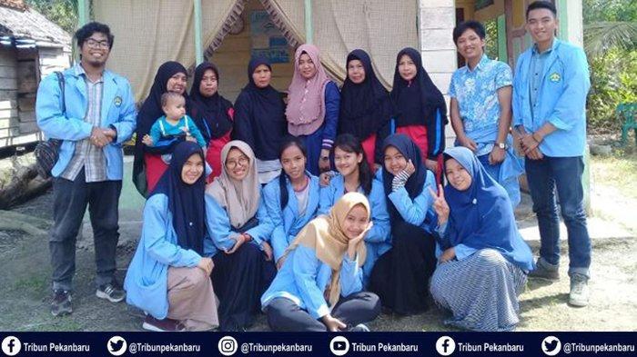 Mahasiswa Kukerta Universitas Riau Gelar Penyuluhan Cuci Tangan untuk Anak hingga Bangun Batas Desa