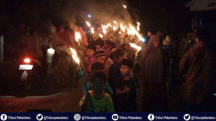Mahasiswa Kukerta Universitas Riau Gelar Takbiran dan Lomba untuk Peringati Hari Raya Idul Adha