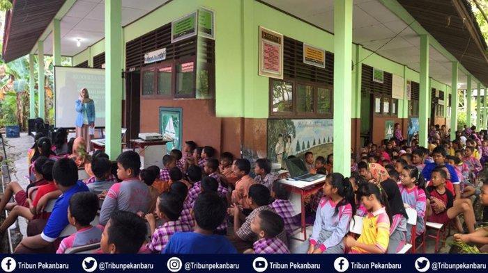 Mahasiswa Kukerta Universitas Riau Sosialisasi Dampak Internet kepada Siswa